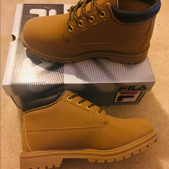 b894cbd33329 FILA Luminous Women s Boots 7.5